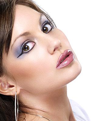 http://makeupconnection.com/images/1-getTheLook/purpleFantasy/face_purpleFantasy01_LRG.jpg